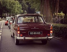 French Classic, Classic Cars, Peugeot 404, Future Car, Old Trucks, Cars And Motorcycles, Vintage Cars, Dutch, Plates