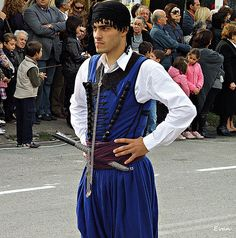 A Man from Crete dressed in the traditional costume during the Parade of the of October 2010 © Folk Clothing, Greek Clothing, Folk Costume, Men's Costumes, Greek Culture, Ethnic Dress, My People, Ancient Greece, Greek Islands