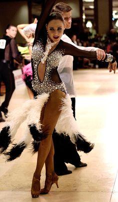 http://www.dancemothers.com/ tumblr_mhggo2CQam1s38jq7o1_1280.jpg (470×807)