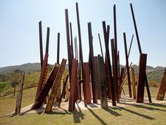 Inhotim, museu de arte contemporânea ao ar livre.