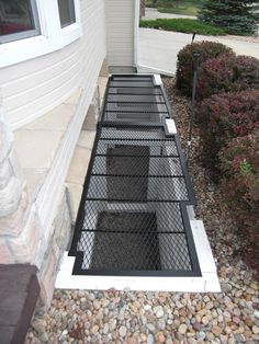over sized mesh, built by Diamondback Manufacturing House Gate Design, Home Garden Design, Backyard Garden Design, Roof Design, Home Room Design, Patio Design, Indoor Courtyard, Stair Well, Concrete Interiors