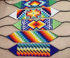 Beaded bracelets with vibrant colours and characteristics of the Colombian Embera Chami Tribe. Bead Loom Patterns, Jewelry Patterns, Beading Patterns, Native Beadwork, Native American Beadwork, Native Indian Jewelry, Native American Patterns, Nativity Crafts, Seed Bead Necklace