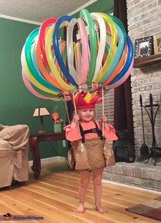 DIY Hot Air Balloon Costume via Pretty My Party If you're looking for creative DIY Halloween Costumes For Kids, this list is perfect. Get easy and quick ideas for DIY Kids Halloween costumes. Halloween Bebes, Homemade Halloween Costumes, Halloween Tags, Halloween Costume Contest, Holidays Halloween, Halloween Decorations, Vintage Halloween, Halloween Costumes For Toddlers, Halloween Party
