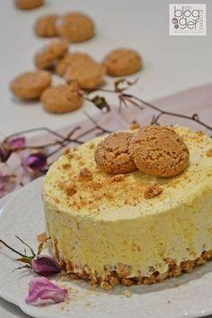 Semifreddo amaretto (4) Cheesecake Desserts, Mini Desserts, Sweet Recipes, Cake Recipes, Dessert Recipes, Italian Desserts, Italian Recipes, Torte Cake, Sorbets