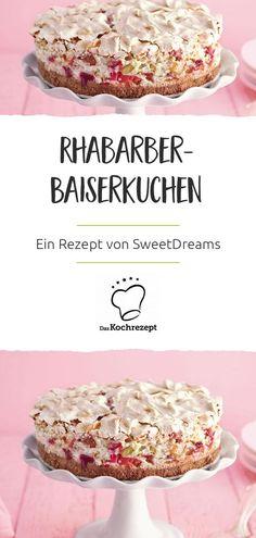 Erinnert Ihr Euch noch an dieses tolle Cover-Törtchen von 2012? Uns ist diese Rhabarber-Leckerei mit luftiger Eischneewolke seitdem nicht mehr aus dem Kopf gegangen und daher möchten wir auch Euch, unserer tollen Online-Community, das köstliche Rezept nicht vorenthalten! Food Items, Dishes, Mode Design, Cakepops, Cover, Cupcakes, Joy, Queen, Rhubarb Recipes