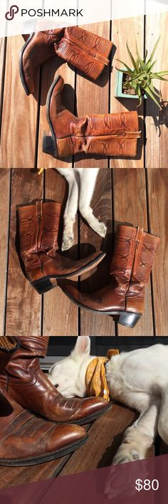 Vintage Dan Post Cowboy Boots Vintage Dan Post Cowboy Boots // Men's Size 11 D (Means Regular Width) // Beautifully Worn Leather // Made In Spain // Western Dan Post Shoes Cowboy & Western Boots
