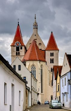 (via Eggenburg-To the church, a photo from Lower Austria, East | TrekEarth) Eggenburg, Lower Austria, Austria