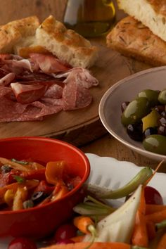 Learn about the traditional Italian meal and choose from 100+ Italian recipes to create your own feast.