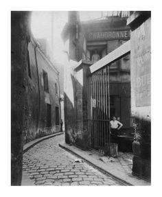 Art Print: Paris, 1911 - Metalworker's Shop, passage de la Reunion by Eugene Atget : 18x15in