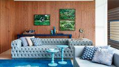 Blue Sofas to refresh your living room decor | www.bocadolobo.com #bocadolobo #luxuryfurniture #interiodesign #designideas #homefurnitureideas #homefurniture #furnitureideas