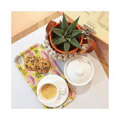 Un envie ou besoin d'un bon café ☕️ #reck  d'un thé #kusmitea  #kusmi @kusmiteaparis Libellule est là pour vous ... Aujourd'hui cookies et galette des rois frangipane #libellule67600 #alsace #selestat #monalsace #3ruedu17novembre #cafeboutique #galette #galettedesrois #frangipane #deco #maison #cafe #madeinfrance #fabriqueenfrance #ideecadeau