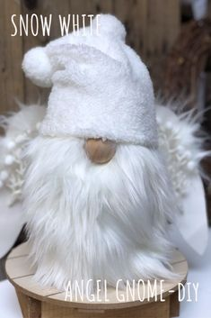 christmas snow Learn how to make a easy Gnome. Perfect budget friendly way to decorate your house this holiday season Christmas Gnome, Christmas Angels, Christmas Projects, All Things Christmas, Christmas On A Budget, White Christmas, Christmas Crafts, Christmas Decorations, Snow White