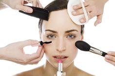 Una guía practica y definitiva para aprender como maquillarse, aun si eres una principiante. Incluye consejos, trucos y tutoriales. LEER MÁS AQUÍ.