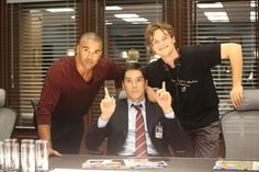 On set of Criminal Minds Season 9 Ep. 7 directed by Matthew Gray Gubler: no smile from Hotch but he got some goof ball in him- via Shemar Moore Twitter