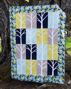 Its finished Were calling this personal finish Aspen Groves This paper pieced pattern is an older one from amandaherringdesigns thats not available anymore but that doesnt mean we cant still love it Visit our blog for more glamorous photos in the parktheclothparcel quilting quilt paperpiecing foundationpaperpiecing machinequilting thegrovequilt wipitgood ufosin quiltblogger