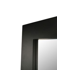 Square matt black corner.