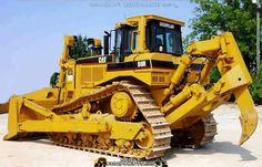 Caterpillar D8R Cat Bulldozer, Caterpillar Bulldozer, Caterpillar Equipment, Heavy Construction Equipment, Heavy Equipment, Earth Moving Equipment, Mining Equipment, Engin, Heavy Machinery