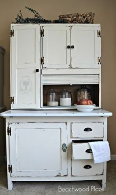 I want one of the cabinets so so so bad!! Hoosier Makeover http://beachwoodplace.blogspot.com/2016/04/hoosier-makeover.html