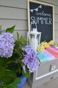 Welcome summer . Chalkboard + hydrangeas