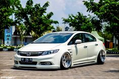 VIP style Honda Civic Sedan generation on OZ MAE rims and other aftermarket parts Honda Civic 2013, Honda Civic Vtec, Honda Civic Sedan, Custom Wheels And Tires, Ground Effects, Japan Cars, Import Cars, Performance Parts, Motors