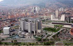 El Edificio EPM está localizado entre la Avenida del Río y la carrera 58, sector conocido como La Alpujarra II, contiguo a las instalaciones del Teatro Metropolitano y el Palacio de Exposiciones y Convenciones. FOTO MANUEL SALDARRIAGA