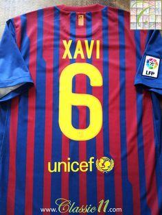 Relive Xavi's 2011/2012 La Liga season with this vintage Nike Barcelona home football shirt.