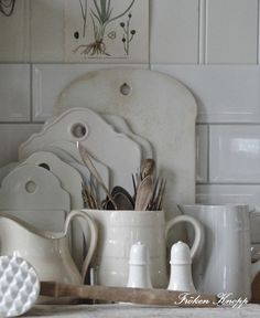 Love these white cutting boards!