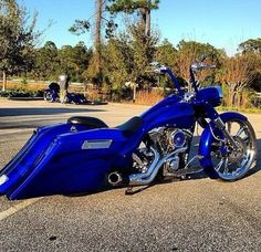 Road King, beautiful blue!: Cars Motorcycles, Bad Bikes, Bikes Baggers Ladies, Harley Motorcycles, Badass Bikes, Cars Trucks Bikes, Baggers Cycles Trikes Bikes, Bikes Cars