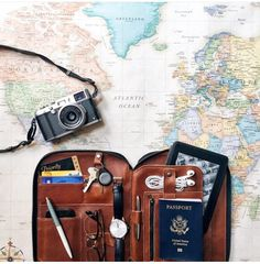 Image discovered by Robin Diaz Marin. Find images and videos about pretty, travel and camera on We Heart It - the app to get lost in what you love. Journal Inspiration, Travel Inspiration, Travel Flatlay, Touring, Instagram Dp, Best Kindle, Travel Wallpaper, Flat Lay Photography, Travel Logo