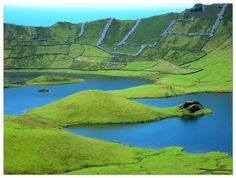Caldeira do Corvo, Azores, Portugal. Where I'm from the Azores Places Around The World, Around The Worlds, Portugal Holidays, The Beautiful Country, What A Wonderful World, Travel And Leisure, Ciel, Nature Photos, Travel Pictures