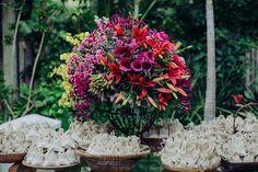 Casamento na praia - mesa de doces Foto: Cacá Lanari