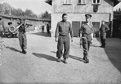 Belsen 17 avril 1945 Josef Kramer est transfere
