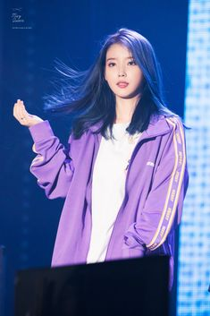 "IU 191109 ""Love Poem"" 2019 Tour Concert in Incheon kpop Korean Girl, Asian Girl, Iu Hair, Peinados Pin Up, Iu Fashion, Kdrama Actors, Korean Actresses, Korean Celebrities, Ulzzang Girl"