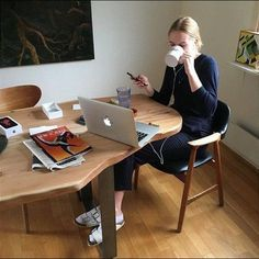 20 Things To Improve Your Work From Home Space Study Hard, Studyblr, Study Motivation, College Life, Dream Life, Business Women, How To Plan, Lifestyle, Design