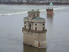 St Louis water intake towers [1891/1915 - St Louis, Missouri, USA]