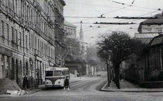Prý, že Bůh nemůže být všude, proto stvořil babičku - Fotoalbum - Stará Praha - trolejbus