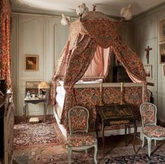 Bed Drapes, Valance Curtains, French Interiors, Beautiful Interiors, Interior Decorating, Decorating Ideas, British Country, French Colonial, Marquise