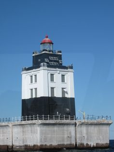 Poe Reef Lighthouse, located in Lake Huron near Cheboygan, Michigan Lighthouse Lighting, Lighthouse Painting, Cheboygan Michigan, Otsego Lake, Candle On The Water, Houghton Lake, Lighthouse Pictures, Michigan Usa, Lake Huron