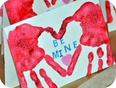 Easy Valentine Crafts for Preschoolers. An extensive collection of ideas from paper plate heart weaving, to toddler Valentine's cards, to handprint crafts. Kids Crafts, Cute Crafts, Toddler Crafts, Crafts To Do, Preschool Crafts, Craft Projects, Craft Ideas, Baby Crafts, Valentine Love