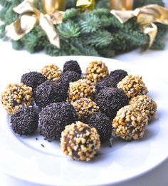 So Yummy! No-Bake Chocolate Balls! You can find the recipe on Les Deux - Magazine. Food Inspiration, Balls, Yummy Food, Magazine, Canning, Chocolate, Fruit, Recipes, Delicious Food