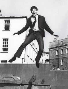 Paul McCartney - just as much energy today at Beatles Band, Beatles Love, Ringo Starr, George Harrison, John Lennon, Great Bands, Cool Bands, My Love Paul Mccartney, Paul Mccartney Height