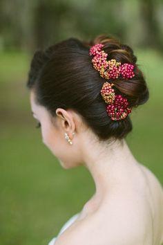 Bridal updo ⎪ Ashleigh Jayne Photography ⎪ see more on: http://burnettsboards.com/2014/11/retro-lovin-wedding-ideas/