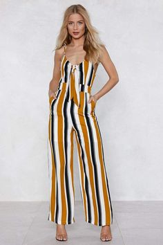 Shop the latest rompers and jumpsuits at Nasty Gal, from cutout rompers & floral rompers perfect for brunch, to sexy going out jumpsuits for party nights! Fall Fashion Outfits, Look Fashion, Womens Fashion, Fashion Ideas, Cute Comfy Outfits, Dressy Outfits, Autumn Fashion Grunge, Forever 21 Outfits, Jumpsuit Dressy