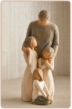 Willow Tree Father with Three Daughters Figurine Gift Set Family Group Willow Tree Figures, Willow Tree Angels, Willow Tree Statues, Willow Tree Family, Willow Creek, Willow Wood, Precious Moments Figurines, Three Daughters, Tree Sculpture