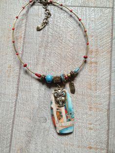 """Collier pendentif """" elle est chouette ! """" - patchwork rouge et turquoise : Collier par arliane"""