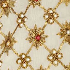 Alexander McQueen #embellishment #embroidery #gown #goldwork #designer #London #detail #textiles #pearls #beading #texture #beading