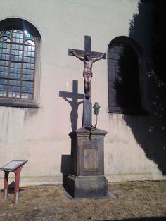 Kříž s Ježíšem u kostela - Rumburk - Ústecký kraj