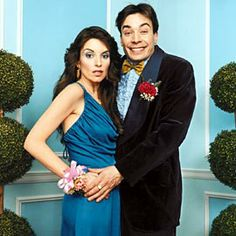 Shared by camila. Find images and videos about jimmy fallon and Tina Fey on We Heart It - the app to get lost in what you love. Jimmy Fallon, Saturday Night Live, Awkward Prom Photos, Liz Lemon, Amy Poehler, Tina Fey, Snl, Funny People, Funny Guys