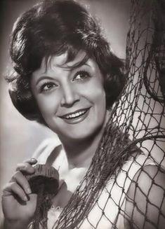 Ρένα Βλαχοπούλου : Πριν το σινεμά ήταν βασίλισσα της τζαζ   in.gr Old Greek, Cinema Theatre, Tv Series, Actresses, Actors, Female, Film, Wedding Dresses, Music