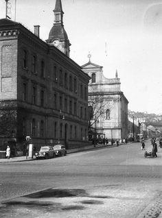 Ilyen is volt Budapest - Szépvölgyi út a Lajos utcánál Old Pictures, Old Photos, Vintage Photos, Budapest, Historical Photos, Hungary, Montreal, Arch, Louvre
